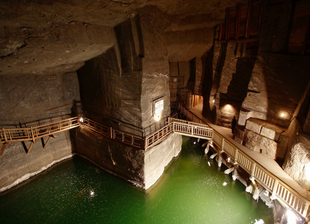 Wieliczka Salt Mine, Krakow, Poland. Laverne Nash/Shutterstock.com
