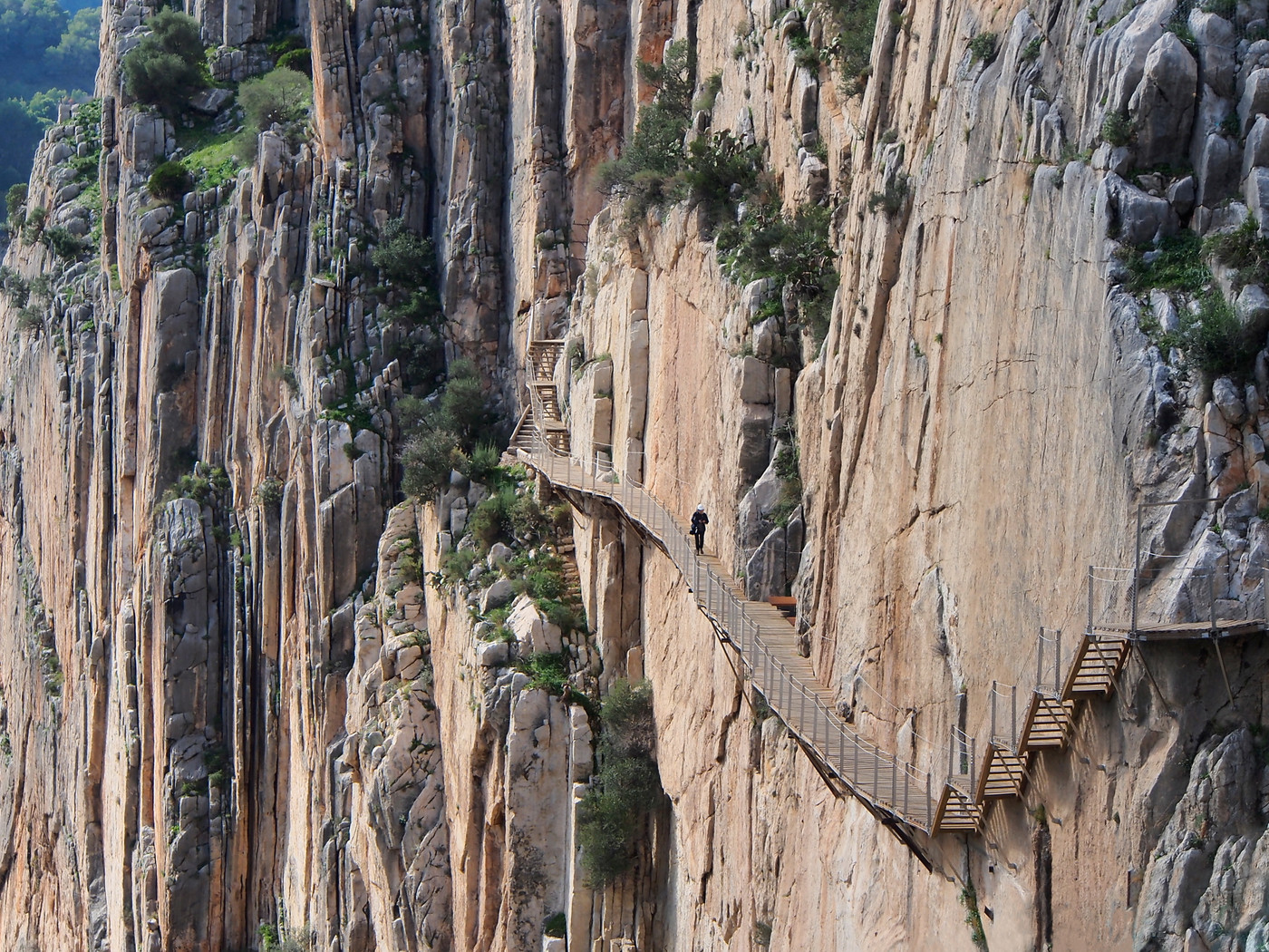 Most dangerous hikes in the world