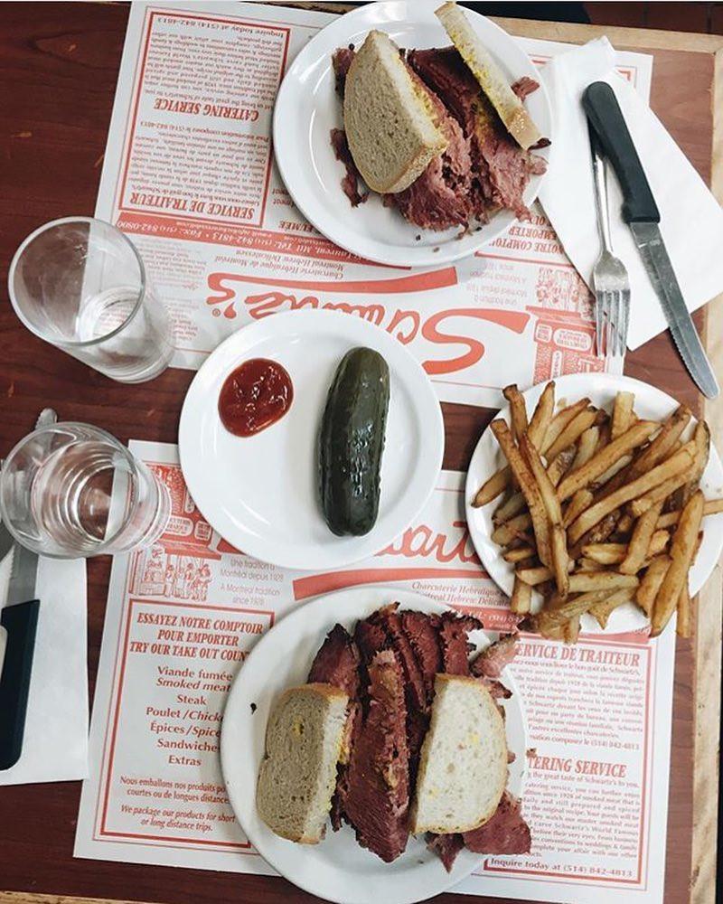Schwartz's, Montréal, Quebec, Canada. instagram.com/matt_rivs