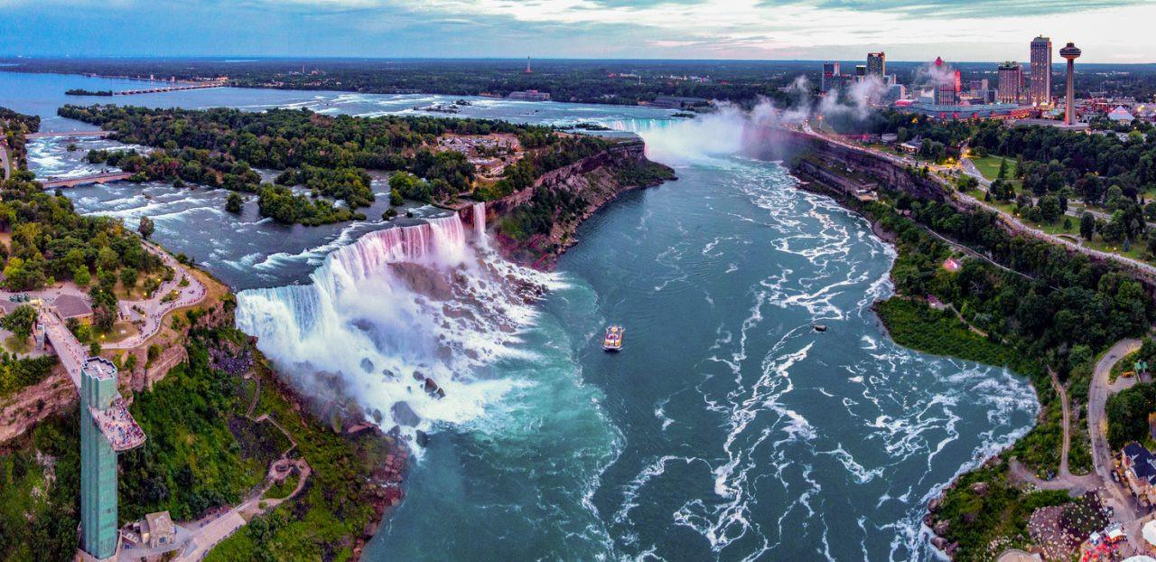 Niagara Falls, Niagra County, New York, USA.