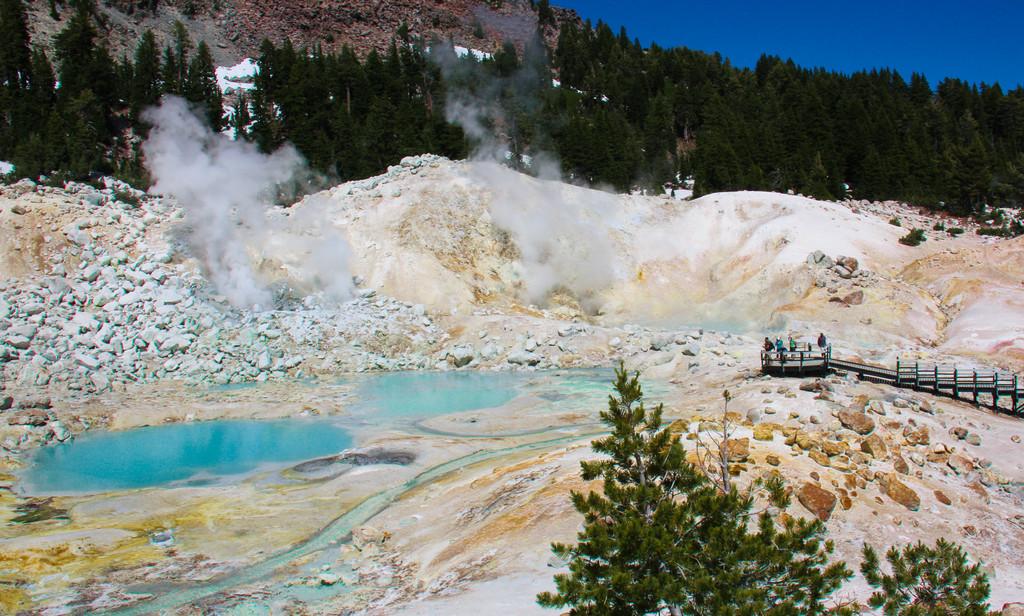 Bumpass Hell, Mineral