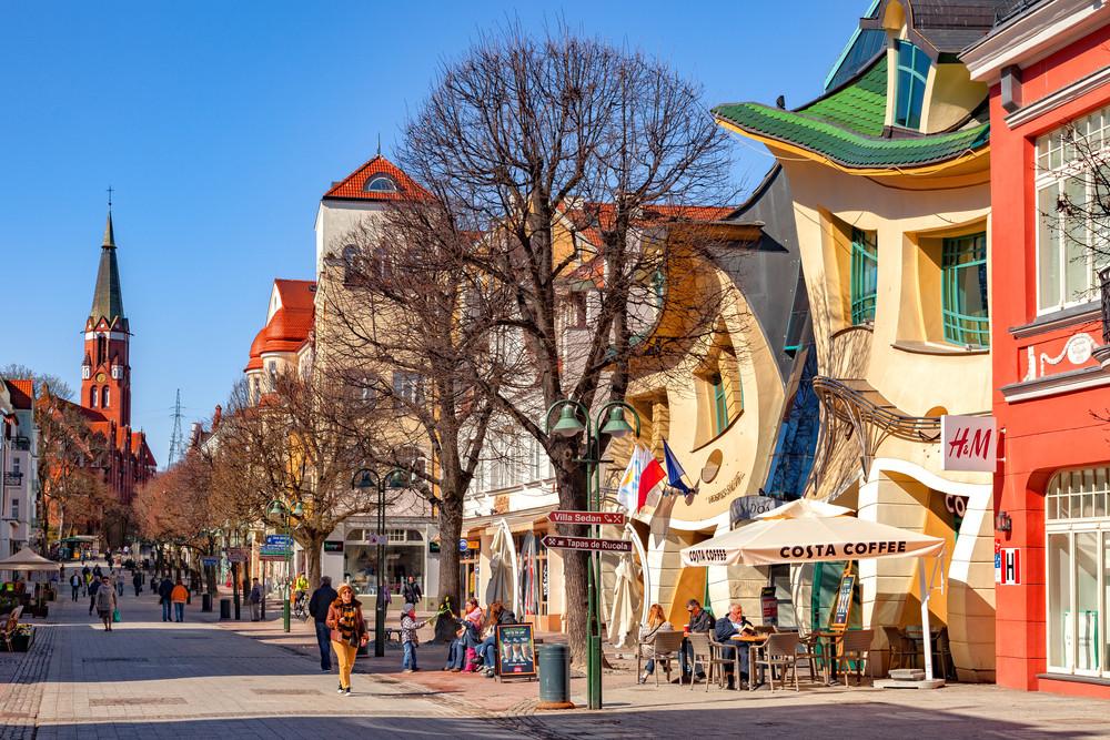 Monte Cassino Street, Sopot, Poland. Nightman1965 / Shutterstock.com