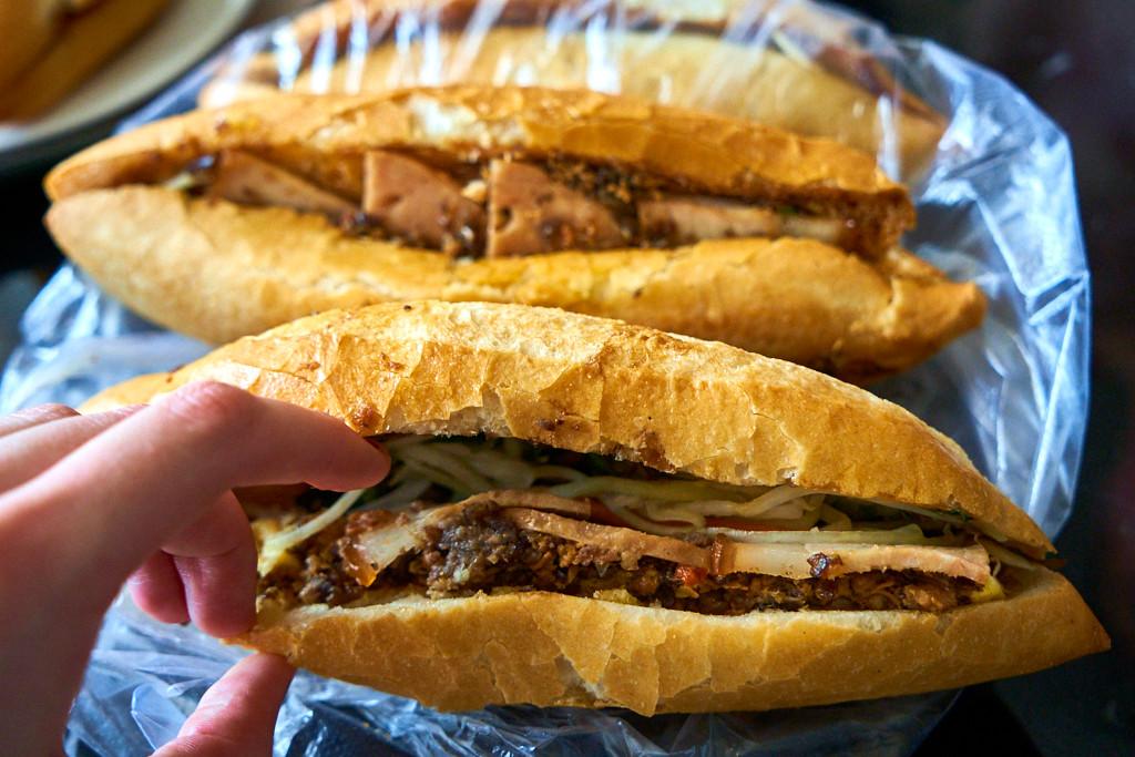 Bánh Mì Phượng, Thành phố Hội An
