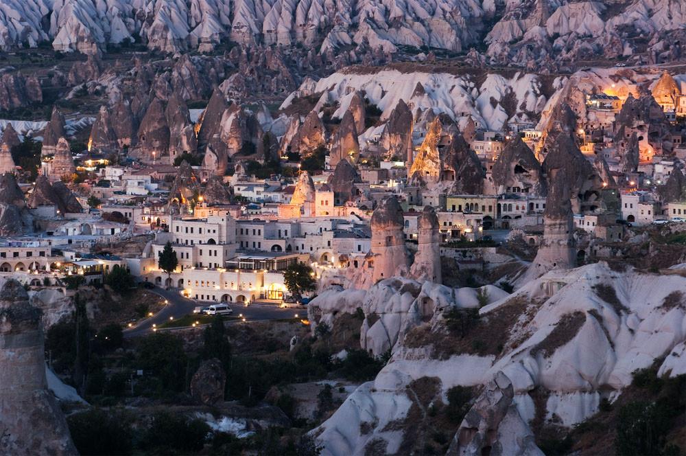 Göreme fairy chimneys, Göreme, Cappadocia, Turkey.