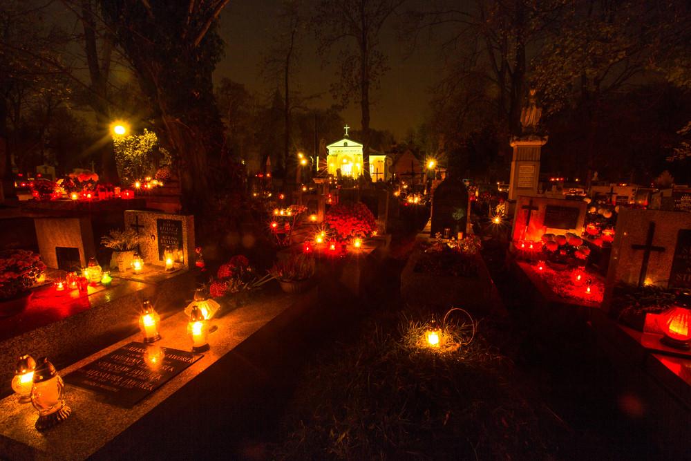 Rakowicki Cemetery, Krakow, Poland.De Visu/Shutterstock.com