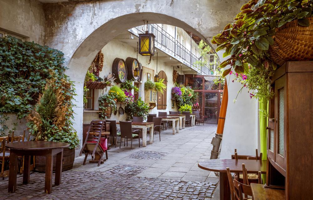 Jewish Quarter, Kazimierz, Krakow, Poland. mikolajn/Shutterstock.com