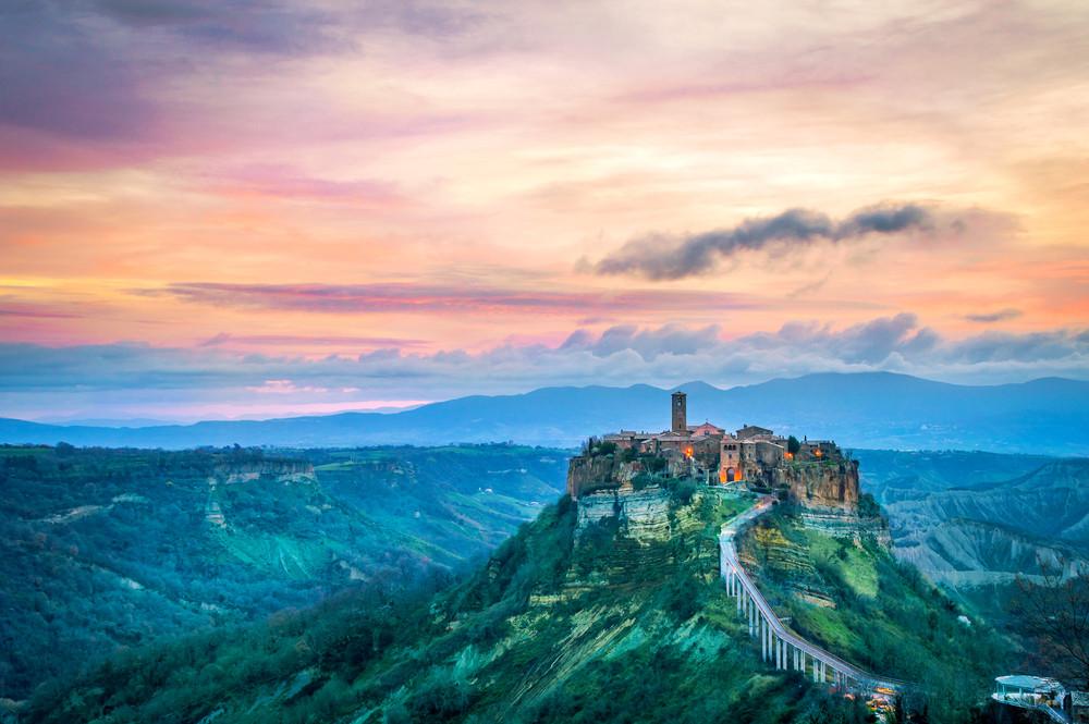 Civita di Bagnoregio, Italy. Thoom / Shutterstock.com