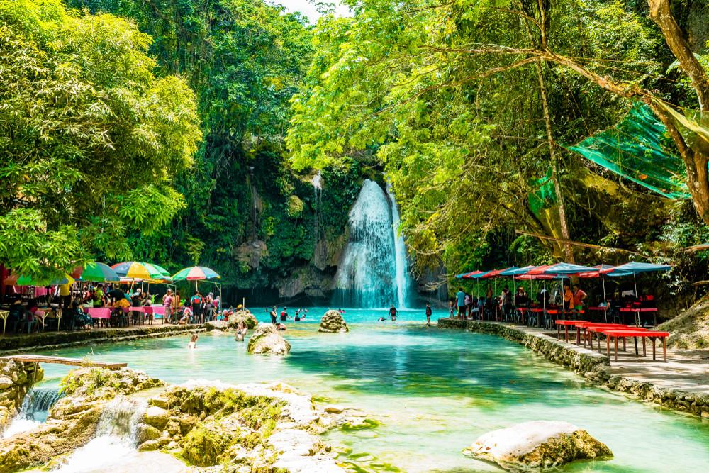 Kawasan Falls, Cebu, Philippines. valeriy eydlin/Shutterstock.com