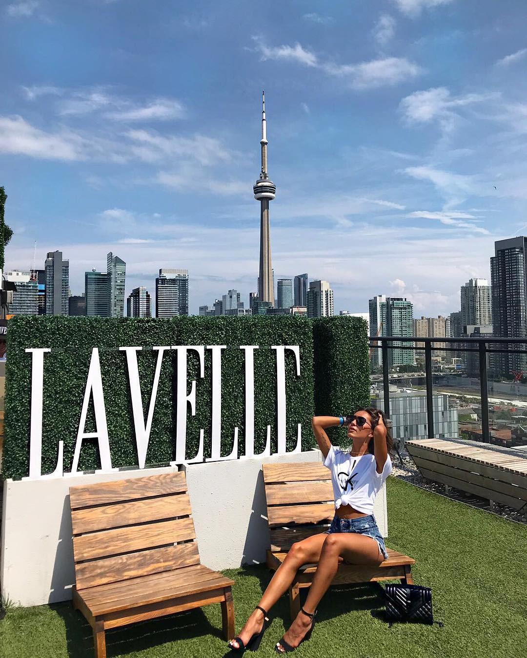 Lavelle, Toronto, Ontario, Canada. instagram.com/simoesxox