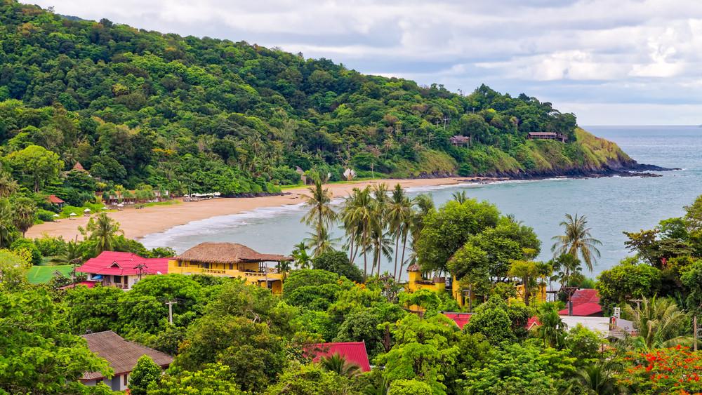 Kantiang Bay Beach, Koh Lanta, Thailand. Anil Varma/Shutterstock.com
