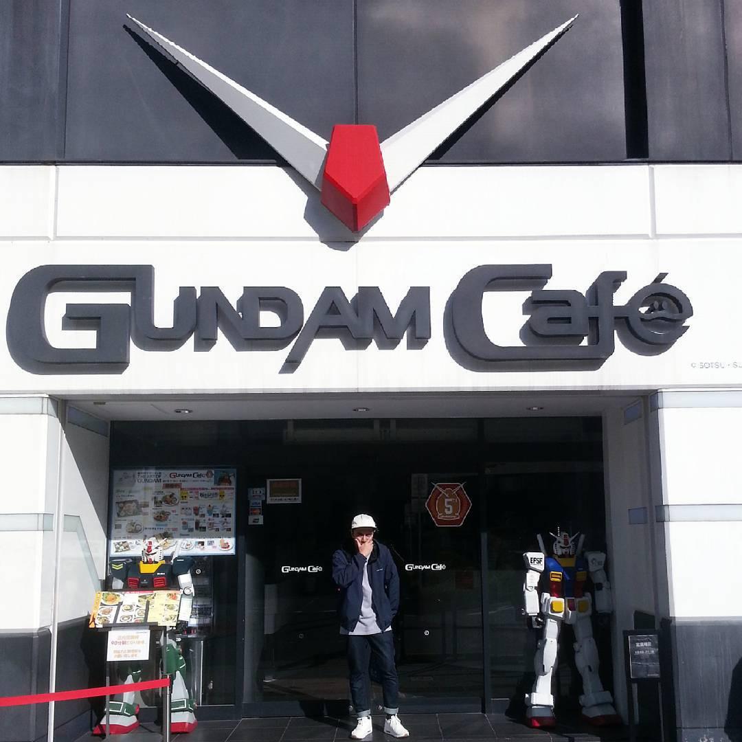 Gundam Cafe, Tokyo, Japan. instagram.com/shfrzshrf