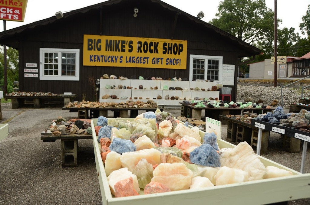 Big Mike's Rock Shop, Cave City