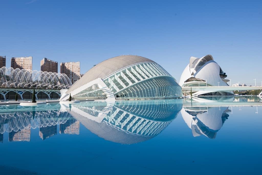 La Ciudad de Artes y Ciencias, València, Spain. instagram.com/ciudadartesciencias