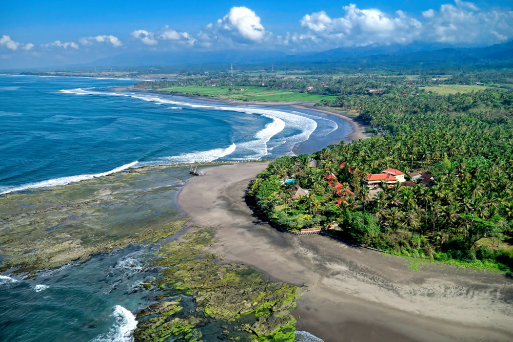 Medewi, Bali, Indonesia. MARIO ANDI SUPRIA / Shutterstock.com